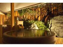客室専用露天風呂(Dタイプ)、手入れの行き届いた坪庭付き【D、Eタイプ】