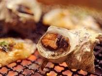 食事処では海鮮ロースターでアツアツの魚介類をお召し上がり頂けます。