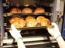 朝食においしいパンもご用意しております♪