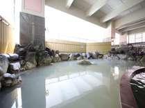 2.地下1階露天風呂(硫黄泉)