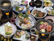 当館スタンダード会席【潮風ーShiokaze‐】。県産和牛や御造里五種盛など地産の食材を。