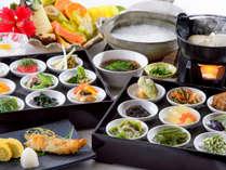 【どっちも食べてみたい方に】クチコミ人気のバイキング朝食と1日限定40食の島薬膳粥朝食を堪能プラン