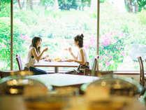 【ブッフェレストラン/アクアリス】朝食からランチ・ご夕食までご利用可能