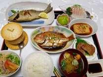 【夕食一例】屋久島地魚料理をお部屋食で