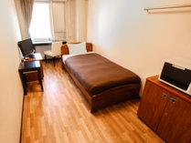 シングルルーム:ベッドサイズ100×195/広さ14平米
