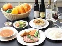 木島平米と童夢ファ~ムで育てた新鮮野菜を使ったフルコース料理で皆様をおもてなしいたします