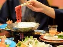 アツアツ、出来立てを楽しむ。美味しさの中に、自分らしさを加える楽しみは、部屋食ならでは。