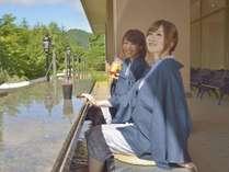 ◆「ベーカリー・テーブル」新設。足湯を体験したながら、自社工房でつくったパンをどうぞ。