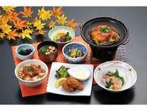 「宮島御膳」~広島風お好み焼、牡蠣フライ、など広島の美味しいものが満載です~