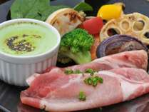 飛騨・美濃けんとんと彩り野菜2色のソース,岐阜県,かんぽの宿恵那