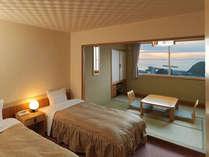 【和洋室】全室オーシャンビュー!オホーツク海・ウトロ港に面し、好天時には夕陽が望めます!