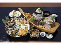 健康で新鮮な素材で、優美で素朴な郷土料理の会席風皿鉢(料理例)