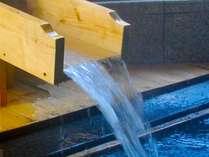 毎分6,000リットルの豊富な湯量を誇る湯原温泉。源泉をたっぷり贅沢に。