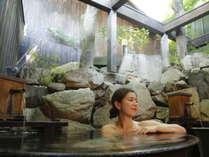 ■露天風呂■五右衛門風呂風の露天風呂もございます