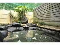 この開放感を是非!お客様の満足度も高い天然温泉露天風呂。