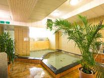 温泉鉱石大浴場「銀杏の湯」で心身共にリフレッシュ!