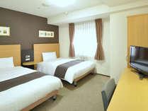 ■ツインスタンダード■123cm幅ベッド×2台■清潔なデュベスタイル寝具☆
