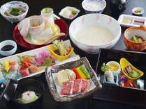 ■会席料理一例。調理長自慢のお料理をご提供しております。