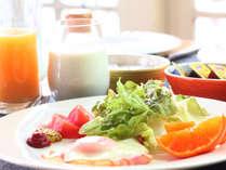 【朝食】地元の牧場で絞った牛乳