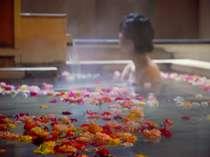 バラの香りにうっとり…♪女性限定の嬉しい特典です!