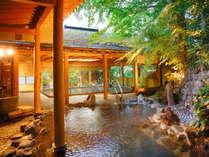 【露天風呂】江戸時代より変わる事なく湧き出る源泉を贅沢に掛け流し