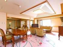 【本館特別室】Cタイプ。リビング+ツイン+和室の広めのお部屋です。