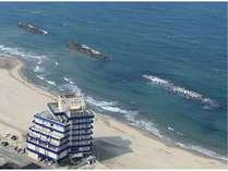 湯野浜温泉で唯一!海岸の砂浜に位地する『愉海亭みやじま』
