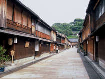 金沢にし茶屋街   金沢の繁華街片町から徒歩10分。趣きあるお茶屋さんが並んでいます