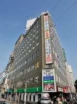 JR倉敷駅正面、徒歩3分。美観地区、芸文館共に徒歩5分とビジネス、観光に便利な立地!