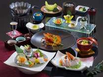 熊野灘会席:4月~10月は伊勢海老の禁漁期になります。煮物や蒸し物に替えてご提供しております
