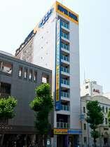 日本橋駅より徒歩1分のきれいなホテルです。