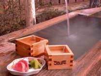 """*冬の風物詩""""雪見酒""""/奥飛騨の冬景色を眺めながら枡酒で酔いしれる贅の極みをご堪能下さい。"""