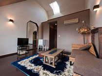*広々としたアジア風インテリア、本館角部屋の準特別室でお寛ぎください。