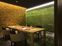 【もりの風茶寮】個室の食事処。北海道と各地の郷土料理を会席仕立てでお楽しみください。