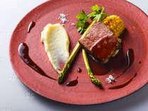 【ZEN一例】メインはサホロ高原牛の低温低速ロティに赤ワインソースを添えて。