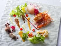 【ZEN一例】近海で獲れた新鮮魚介をお造り仕立てでお楽しみ頂きます。