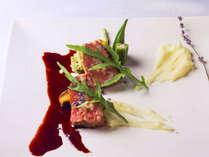 【ZEN一例】季節ごとにメイン料理は替わります。旬の野菜とご一緒にどうぞ。