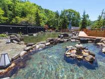 【大露天風呂HOSHI★ZORA】ウッドデッキの回廊と150坪の大露天風呂。
