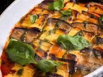 【夕食ブッフェ一例】野菜をたっぷり使ったお料理の数々は身体に優しい味わいです。