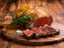 【夕食ブッフェ一例】牛ステーキは当館の人気メニュー!