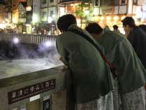 【夜の湯畑観光】草津温泉街の湯畑は、夜の観光にもお勧めのスポットです。