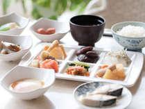 【朝食バイキング】和食と洋食のバイキングスタイルでお召し上がりください。