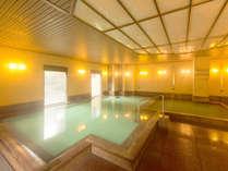 草津温泉湯畑の源泉を引く温泉大浴場は、夜も利用可能!