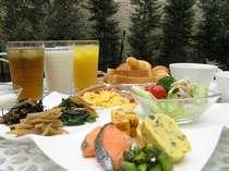 無料朝食付(和洋ビュッフェスタイル ご利用時間 06:30~09:30)
