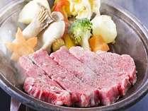 とちぎ和牛陶板焼きじゅわっと旨みたっぷりのお肉をお楽しみいただけます
