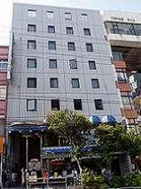 那覇市のメインストリート国際通りに位置するシーサー・イン那覇
