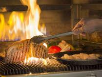 富士の溶岩石を使った「武藏窯」でじっくり焼き上げるグリル料理