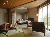 【和みフロア】展望檜風呂付特別室B、和と洋の寛ぎの空間.