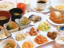 朝から元気に♪無料朝食ミニバイキング☆日替わりメニューでご案内