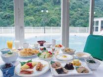 和洋の料理が揃う朝食バイキングで、今日一日を元気にスタートさせましょう!